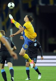 Who else does this? No one is who, haha. -- Zlatan taekwondo, Sweden --Ibrahimoviç demonstrating his ability to get his feet to angles and altitudes mere mortals can only dream of on account of his celestial taekwondo hamstrings.
