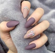 nails, beauty, and matte image # Photo of Nailart matt Manicure Tips.- nails, beauty, and matte image # Photo of Nailart matt Manicure Tips. discovered by Eva Gombos Hair And Nails, My Nails, Nails 2017, Shellac Nails, Purple Nail Art, Matte Purple Nails, Matte Nail Polish, Matte Stiletto Nails, Gel Polish