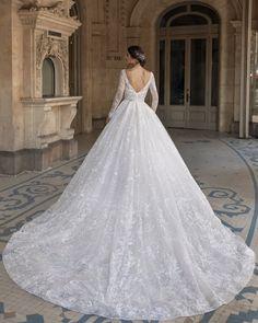Long Wedding Dresses, Long Sleeve Wedding, Princess Wedding Dresses, Bridal Dresses, Ball Dresses, Ball Gowns, Pronovias Wedding Dress, A Boutique, Marie