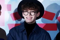 How can his grin not melt your heart!? | 150401 #Chen #EXO