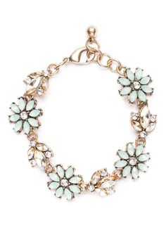 Fresh Spring Bloom Statement Bracelet in Gold #mint #fashion #flowerdesign #statementbracelet #bracelets - 18,90 @happinessboutique.com