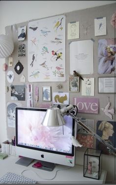 We love this inspiration board to go behind a computer. Our desks are full of photos but having inspiration would also be great! #office