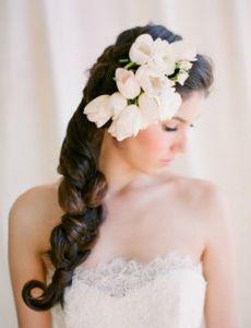 Trouw seizoen begint bijna weer… leuke collectie bruidskapsels!!