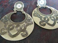 Pendientes grabados dorados #accessories #forher