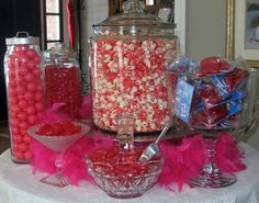 Another cute candy table!