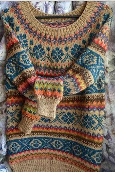 30 Great Picture of Colorwork Knitting Patterns Fair Isles . Colorwork Knitting Patterns Fair Isles Continue The Fair Isle Through The Body From A Yoke Sweater Can Be Tejido Fair Isle, Punto Fair Isle, Motif Fair Isle, Fair Isle Pattern, Tribal Shirt, Camisa Tribal, Boho Pullover, Fair Isle Knitting Patterns, Knitting Ideas