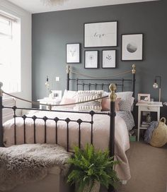 Neat Bedroom decor idea with metal bed frame with grey feature wall and dusky pink accents. The post Bedroom decor idea with metal bed frame with grey feature wall and dusky pink accents. appeared first on Interior Designs . Gray Bedroom, Home Decor Bedroom, Bedroom Designs, Master Bedroom, Modern Bedroom, Bedding Decor, Bedding Sets, Pink Grey Bedrooms, Spare Bedroom Colour Ideas