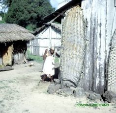 Isla de Annobón. Una calle del poblado de S.Antonio y anciana