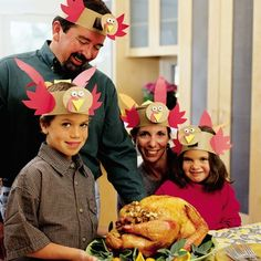 Thanksgiving decoration: turkey hats for all the family!