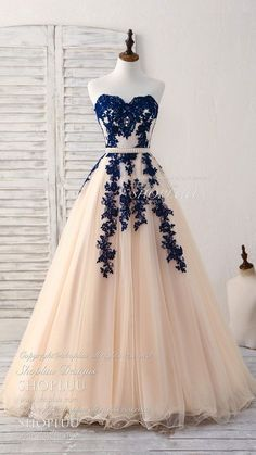 418e79b259 Elegant sweetheart tulle lace applique blue long prom dresses