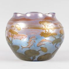 A RARE LARGE LOETZ CIRCULAR FISH BOWL, the sides decorated i