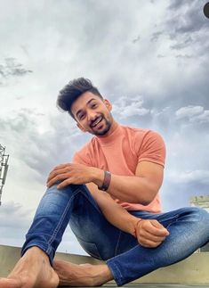 Suraj pal singh is one of the most popular Tik Tok star in india . He is one of the fastest growing tik tok star in india . He is popularly known for his cute looks and his curly hairs. Net Worth, Biography, Tik Tok, Cute Pictures, Girlfriends, Curly Hair Styles, Mom Jeans, Popular, Age