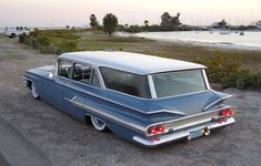 1960 Chevrolet Wagon, OMG, my mom had one of these when we were growing up! Hauled many Christmas trees! Chevy Classic, Classic Cars, Vintage Cars, Antique Cars, Vintage Auto, Station Wagon Cars, Old Wagons, Old School Cars, Chevrolet Impala