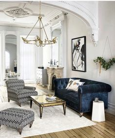 An Easy Elegant style living room with European style architectural details