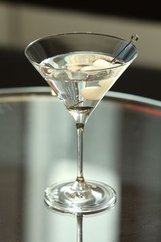 10 tasty and festive cocktail recipes you should serve at this year's Halloween party