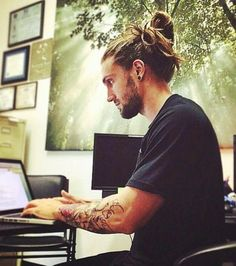 Open// Mr Patters} I sit at my desk finishing up a report for an online class I was doing on the side. I hear you knock on my classroom door, Come in!, click now for more info. Bart Styles, Hair And Beard Styles, Long Hair Styles, Man Bun Hairstyles, Beard Tattoo, Haircuts For Men, Bearded Men, Hair Inspiration, Beautiful Men