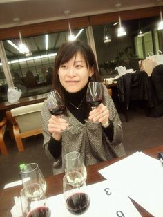 Wine makes me happy.