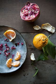 winter ingredients: pomegranate & tangerine - take two of each and make a nourishing juice!