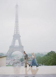 The Most Romantic Anniversary Photo Shoot In Rainy Paris Romantic Anniversary, Anniversary Photos, Alone Photography, Travel Photography, Paris Engagement Photos, Engagement Pics, Rainy Paris, Paris Couple, Paris Saint Germain