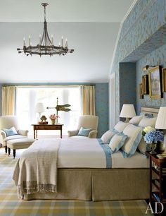 How to Make a Bed Like an Interior Designer