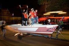 The Illinois Sailing club goes cruisin' in the Homecoming Parade.  (Photo by L. Brian Stauffer)
