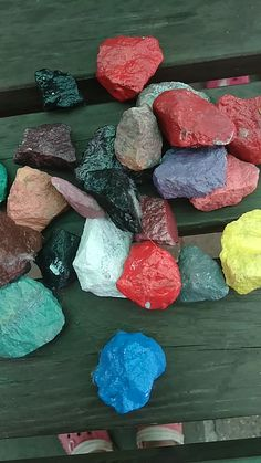 Rocks paint with model color