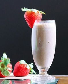 22 Easy and Healthy Fat Burning Smoothies- Chocolate Fruit Smoothie