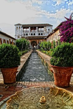 / / Places, towns and villages of Andalusia - La Spain Beautiful Castles, Beautiful Buildings, Beautiful Places, Alhambra Spain, Granada Spain, Cool Places To Visit, Places To Go, Alicante, Spanish Garden