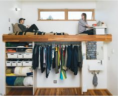 If organizing your belongings and the smart use of space is difficult in a regular size house, imagine how frustrating it can be when your house is tiny. Luckily, there are a few very smart people out there willing to share their genius...