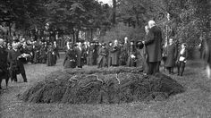 Henrik Ibsen's funeral. June 1. 1906 Oslo, Funeral, Norway, Concert, June, Culture, Concerts