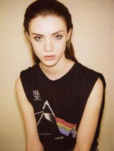 pink floyd  #brunette #blueeyes #prettyface - Rebecca Bex Fleetwood