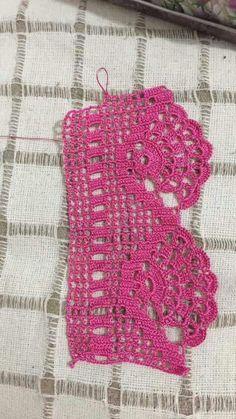 This Pin was discovered by HUZ Crochet Boarders, Crochet Lace Edging, Crochet Trim, Crochet Doilies, Kids Crochet, Crochet Cowl Free Pattern, Filet Crochet Charts, Crochet Stitches Patterns, Stitch Patterns