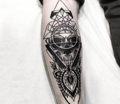 Dotwork Skull tattoo by Otheser Tattoo
