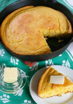 Cornbread made in castiron pan  1 cup yellow cornmeal  1 cup all-purpose flour  1 tablespoon baking powder  1 1/2 teaspoons salt  1 cup buttermilk  1/3 cup vegetable oil  1 extra large egg {lightly beaten}  1/4 cup vegetable oil for heating up the pan