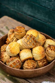 Három pogácsa egy videóban recept   Street Kitchen Ciabatta, Bagel, Scones, Muffin, Breakfast, Street, Kitchen, Food, Nice