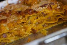 Lasagne con zucca e salsiccia Sauces, Tortellini, Ravioli, How To Cook Pasta, Gnocchi, I Love Food, Cooking Time, Fall Recipes, Macaroni And Cheese