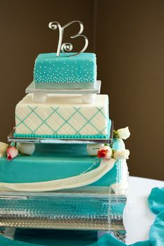 I had the top two layers made as our wedding cake! It was beautiful and tasted amazing! Thanks @Cacy Bost !!!
