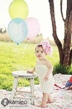 38 ideas for baby girl photo shoot ideas 1 year air balloon Birthday Photography, Toddler Photography, Love Photography, Camera Photography, 1st Birthday Pictures, 1st Birthday Girls, Birthday Ideas, Toddler Pictures, 1st Birthday Photoshoot