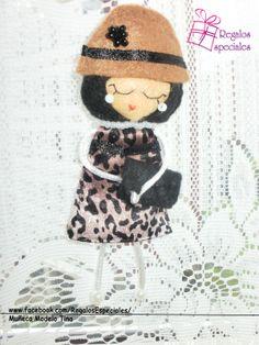 Muñeca Broche