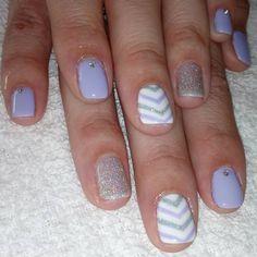 Esmaltado permanente para mi hermanita bello diseño y bellos colores #nails #nailspolish #nailsbeauty #nailart #cristales #esmaltadopermanente #instanails
