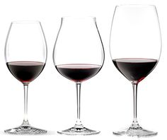Enjoy your favorite bold red wines to the fullest extent with this set of three red wine tasting glasses from Riedel. This gift set is ideal for those who appreciate the most luxurious and lofty red wines, and wish to experience them the Riedel way: with grape variety specificity, which makes each glass and wine unique.