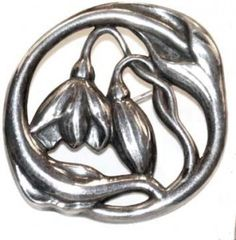 Evald Nielsen. Skonvirke silver brooch. Marked EN and 830. Diameter 1 ¾ inches (4,4 cm). Sold on Ebay September 2006, price $317.55.