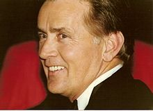 Martin Sheen Cannes - Martin Sheen - Wikipedia Lgbt Celebrities, Lgbt News, Martin Sheen, Disney Marvel, Cannes, Couples, Movies, Character, Gay Couple