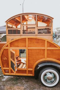 teardrop trailer - teardrop trailer - teardrop trailer plans - teardrop trailer interior - teardrop trailer diy - teardrop trailer for sale - teardrop trailer kitchen - teardrop trailer hacks - teardrop trailer plans how to build Small Camper Trailers, Diy Camper Trailer, Cool Campers, Vintage Travel Trailers, Truck Camper, Vintage Airstream, Airstream Trailers, Rv Campers, Vintage Caravans