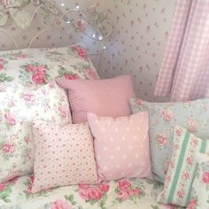 Kinda There I like all the pillows