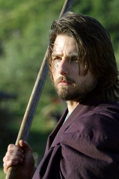 Get This Special Offer Tom Cruise in The Last Samurai Mini Poster with sword The Last Samurai Quotes, Japan Kultur, Film Serie, Film Music Books, Hollywood Actor, Classic Movies, Good Movies, Geisha, Hair