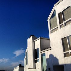 blue skies Photo by Pantone 286, Sky Photos, Blue Skies, Outdoor Rooms, Exterior, Spaces, Eye, Mansions, House Styles