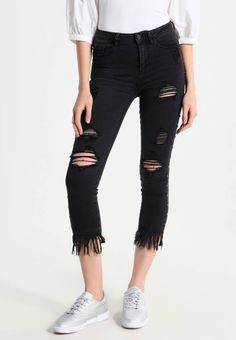 351a213329e66 STUDDED RIPPED - Jeans Skinny Fit - black. Details Fransen.