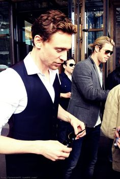 Tom Hiddleston & Chris Hemsworth