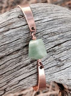 Emerald and Copper Bracelet. Fairie jewelry 2019 Emerald and Copper Bracelet. Fairie jewelry The post Emerald and Copper Bracelet. Fairie jewelry 2019 appeared first on Metal Diy. Rustic Jewelry, Copper Jewelry, Wire Jewelry, Jewelery, Handmade Jewelry, Emerald Bracelet, Copper Bracelet, Metal Bracelets, Jewelry Bracelets
